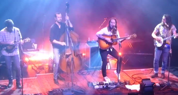 """Billy Strings Covers Widespread Panic's """"All Time Low"""" in Athens, Ga."""