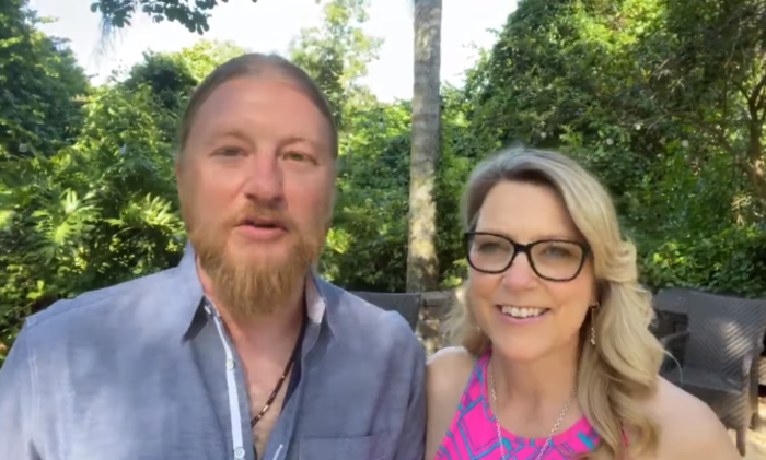 """""""The Whole World is With You!"""": Derek Trucks and Susan Tedeschi Send Well Wishes to the Class of 2020"""